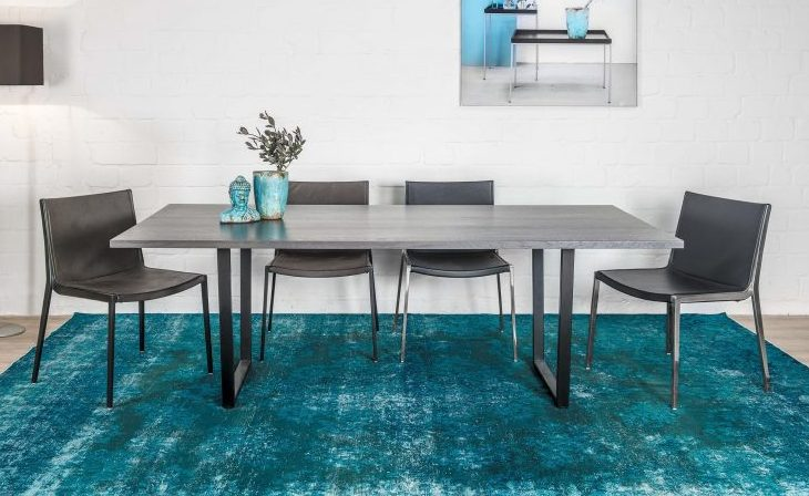 KFF Design Baltas table